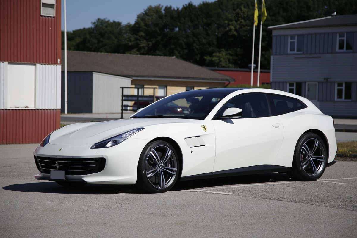 2017 Ferrari GTC4 Lusso For Sale by Auction (picture 1 of 1)
