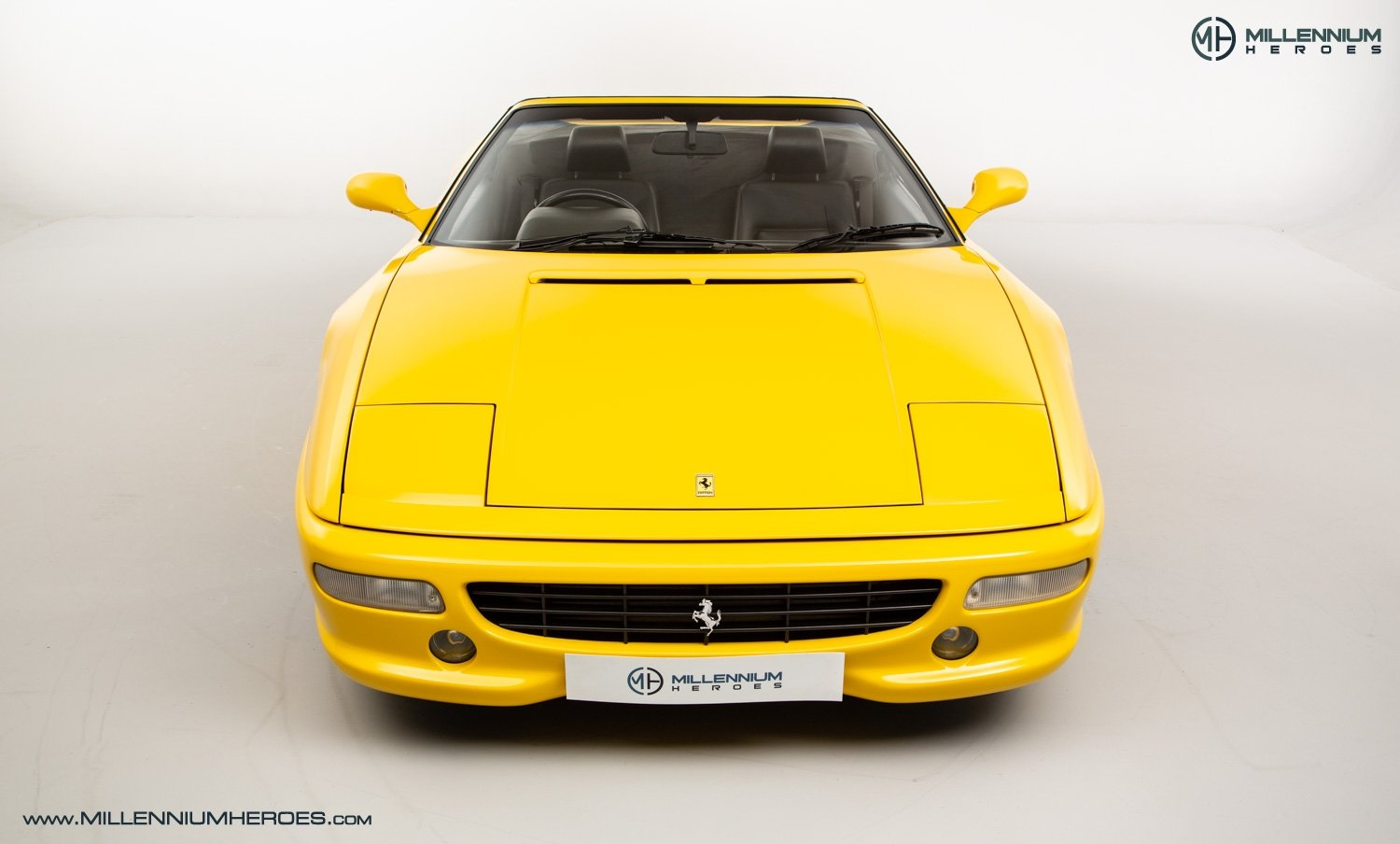 1997 FERRARI F355 SPIDER // 6 SPEED MANUAL // UK RHD // FSH For Sale (picture 3 of 22)