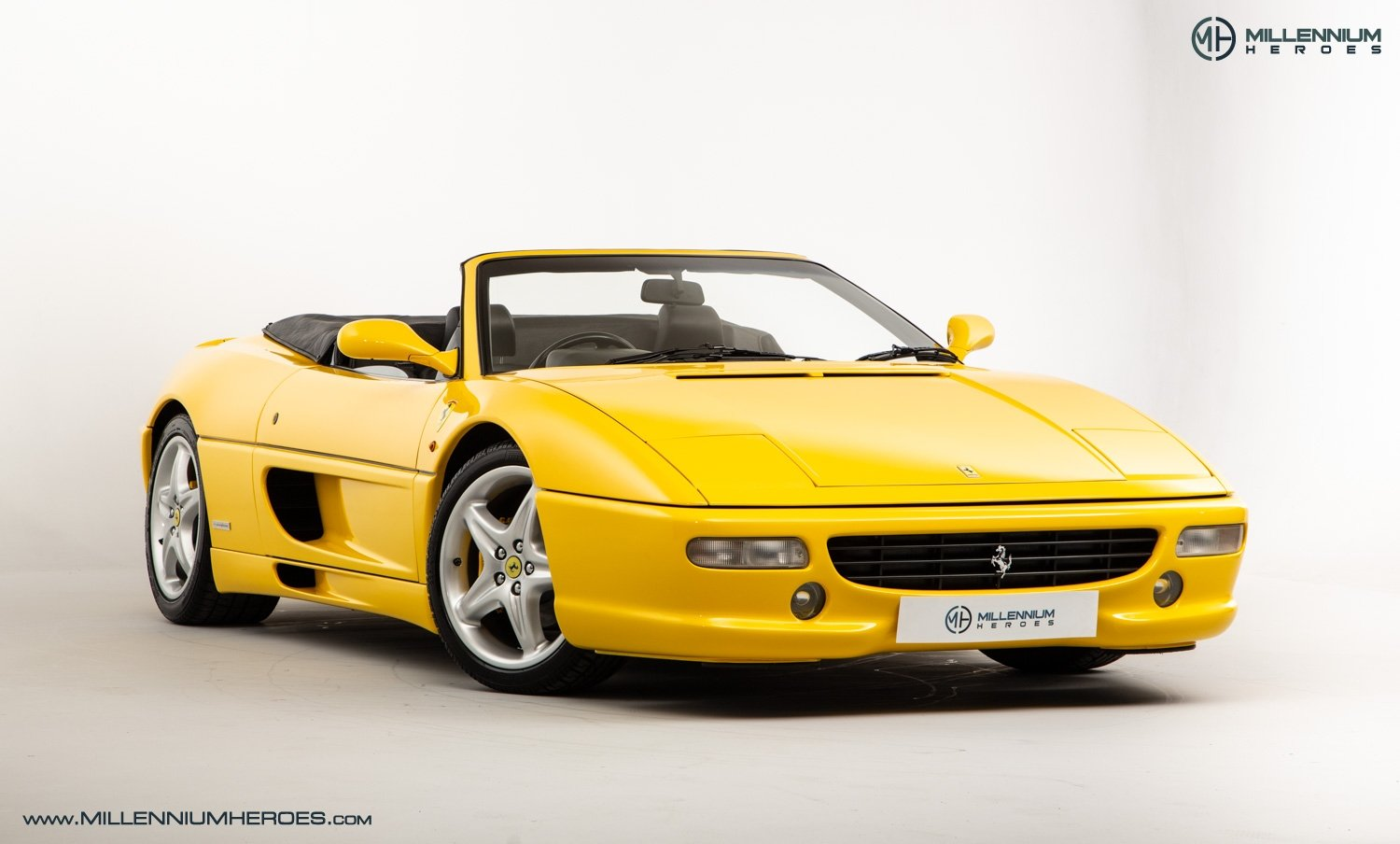 1997 FERRARI F355 SPIDER // 6 SPEED MANUAL // UK RHD // FSH For Sale (picture 5 of 22)