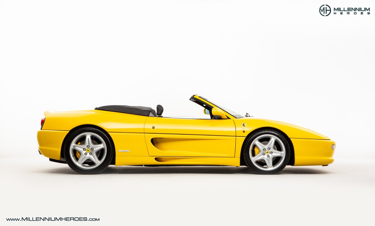 1997 FERRARI F355 SPIDER // 6 SPEED MANUAL // UK RHD // FSH For Sale (picture 7 of 22)