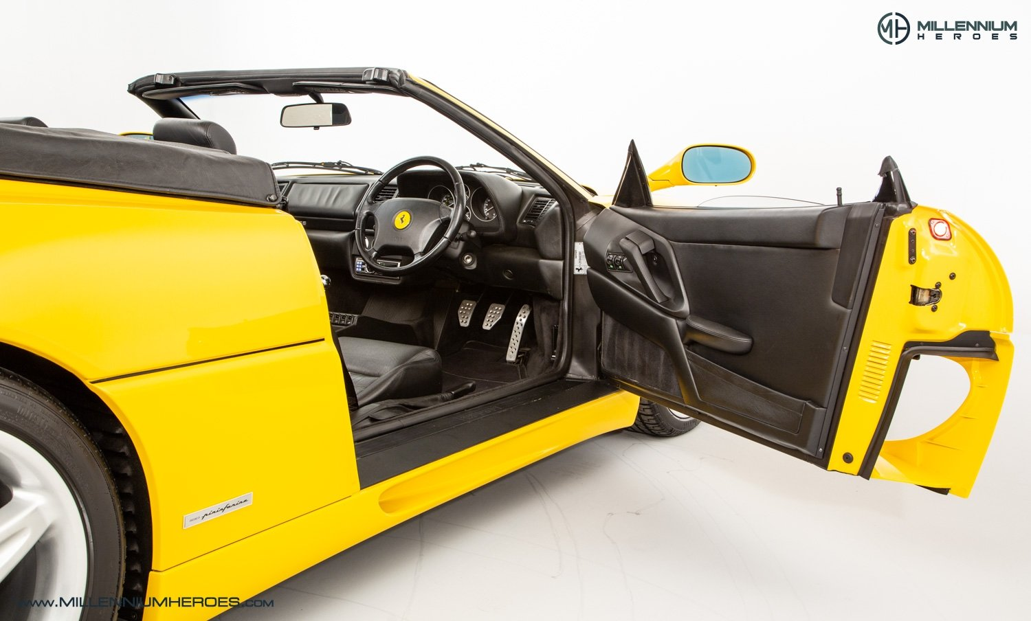 1997 FERRARI F355 SPIDER // 6 SPEED MANUAL // UK RHD // FSH For Sale (picture 13 of 22)