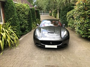 2009 BEAUTIFUL FERRARI CALIFORNIA WITH FFSH, FANTASTIC SPEC