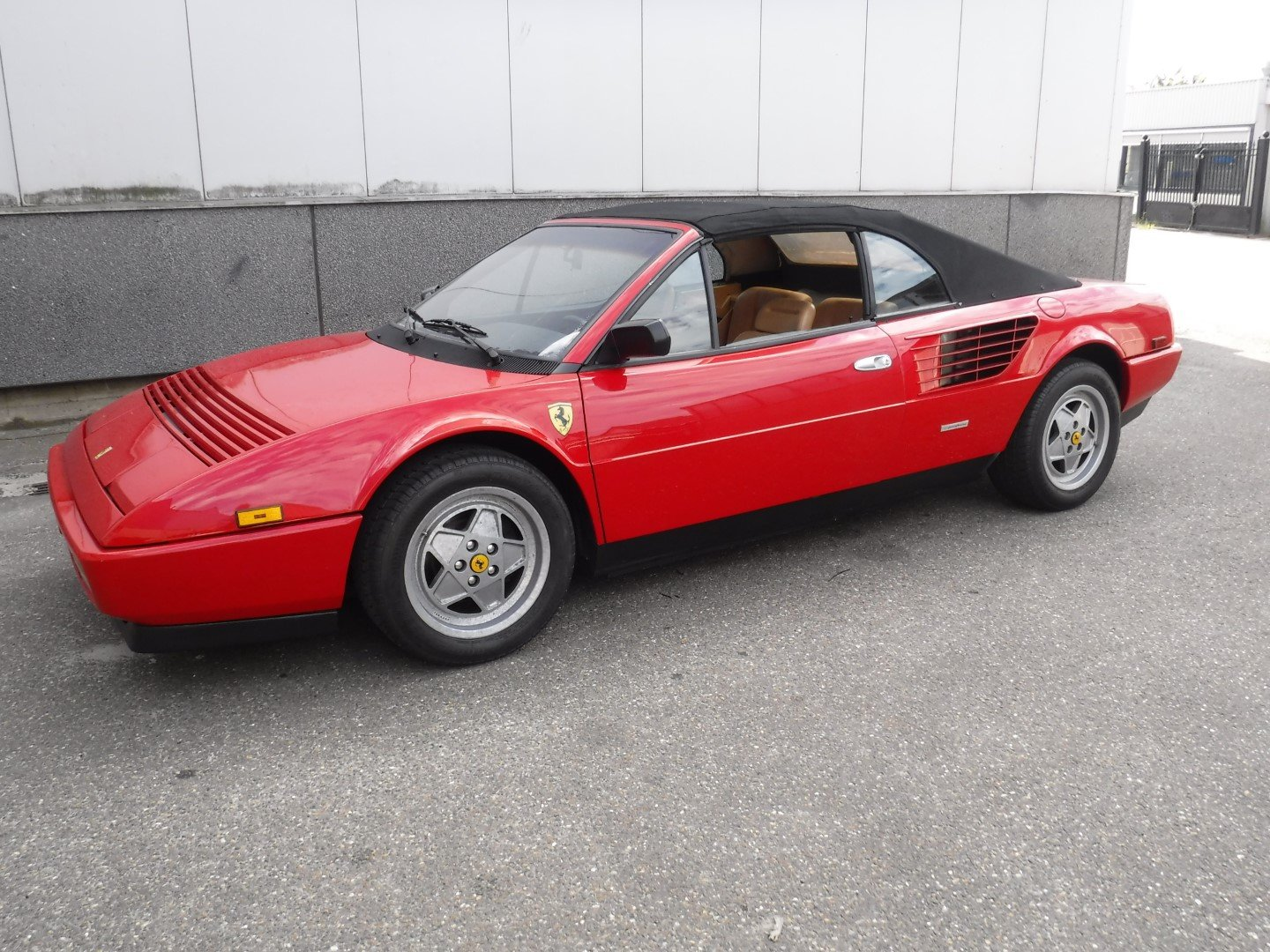 Ferrari Mondial cabrio 1988 For Sale (picture 1 of 6)