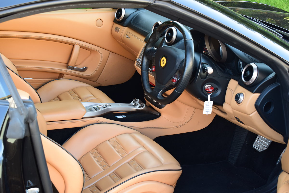 2010 A beautiful example of a Ferrari California For Sale (picture 2 of 2)