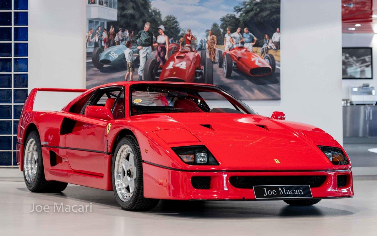 1990 Ferrari F40 For Sale (picture 1 of 12)