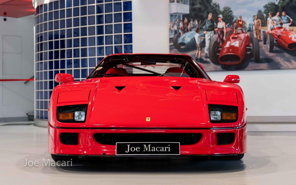 1990 Ferrari F40 For Sale (picture 2 of 12)