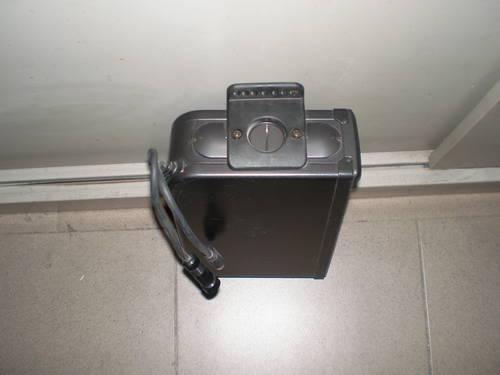 1990 box radio CD  550 maranello For Sale (picture 2 of 2)