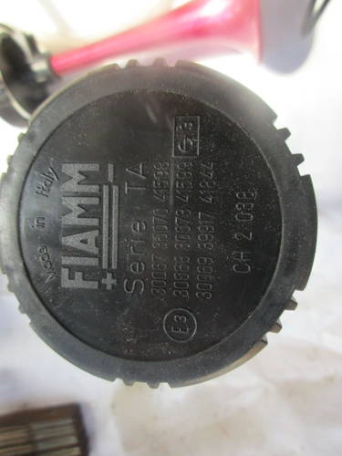 ELECTRO-PNEUMATIC HORN FERRARI TESTAROSSA/348/355/550/575 For Sale (picture 3 of 6)