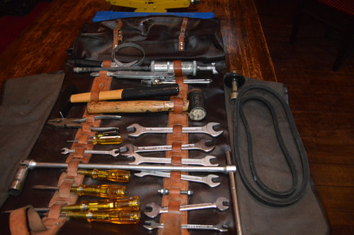 1960 Ferrari 275 / 365 Tool Kits (Three sets with jack) For Sale (picture 3 of 6)