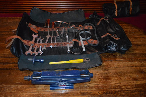 1960 Ferrari 275 / 365 Tool Kits (Three sets with jack) For Sale (picture 4 of 6)