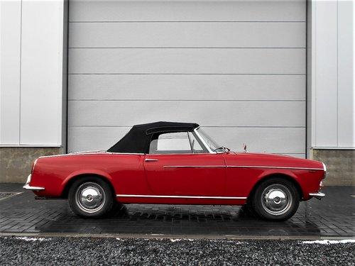 1962 Fiat 1200 Cabriolet Pininfarina Red Completely Restored SOLD (picture 2 of 6)
