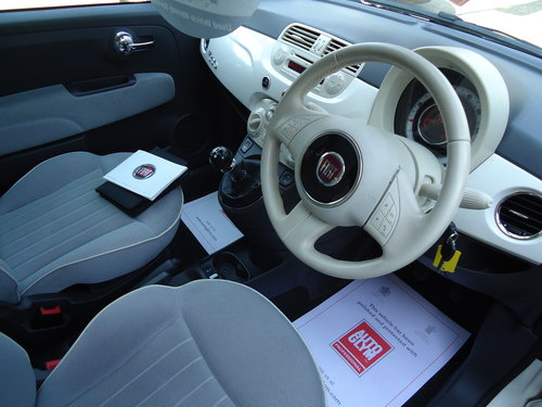 1212 WHITE FIAT 500 LOUNGE ONLY 19,023 MILES AIR CON / £30 R.F.L SOLD (picture 4 of 6)