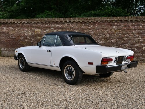 1980 Fiat 124 Sport Spider 2000 only 29.000 miles!! For Sale (picture 2 of 6)