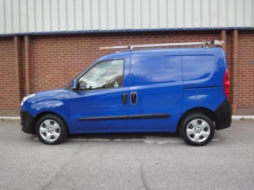2010 FIAT DOBLO 1.3 Multijet 16V SX Van NO VAT For Sale (picture 3 of 6)