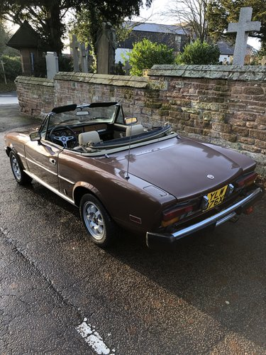 1982 Fiat 124 Spider 2000 For Sale (picture 3 of 6)