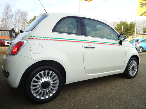 1212 WHITE FIAT 500 LOUNGE ONLY 19,023 MILES AIR CON / £30 R.F.L SOLD (picture 1 of 6)