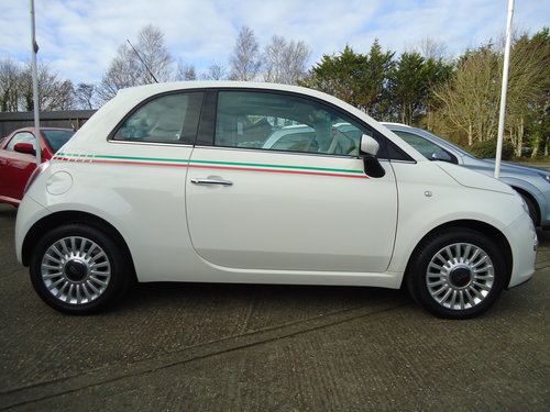 1212 WHITE FIAT 500 LOUNGE ONLY 19,023 MILES AIR CON / £30 R.F.L SOLD (picture 3 of 6)