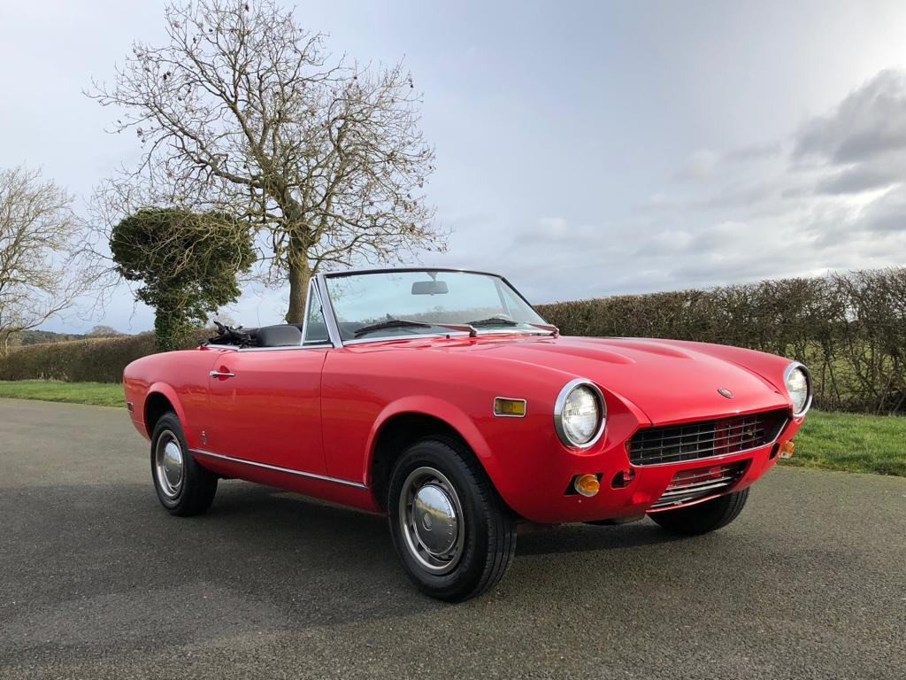 1978 Fiat 124 Sport Spider CS1 SOLD (picture 3 of 6)