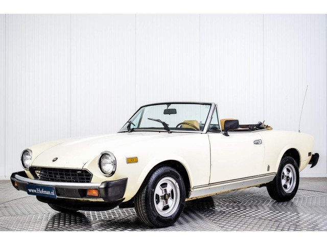 1981 Fiat 124 Spider 2000 For Sale (picture 1 of 6)