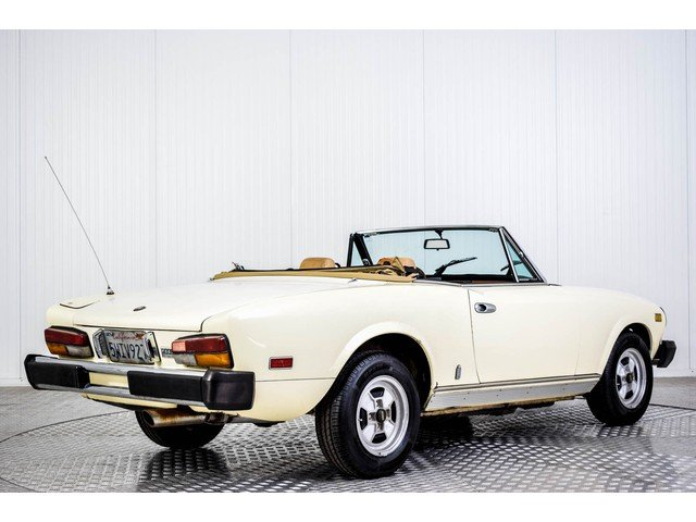 1981 Fiat 124 Spider 2000 For Sale (picture 2 of 6)