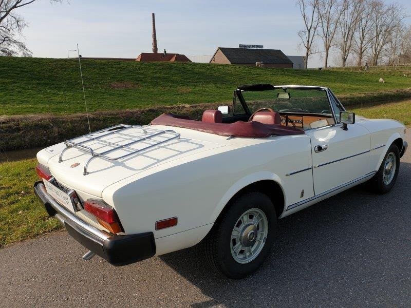 1979 Fiat 124 Spider   SOLD (picture 2 of 6)
