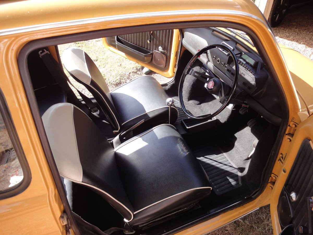 1972 Very Original Right hand drive Fiat 500 in Mustard Yellow For Sale (picture 3 of 5)