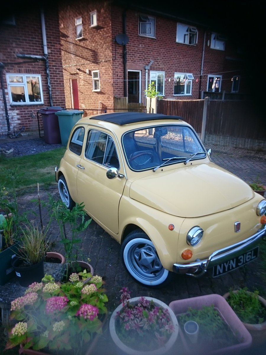 1972 Beautiful Fiat 500 Luuso formerly owned by celebri For Sale (picture 1 of 3)