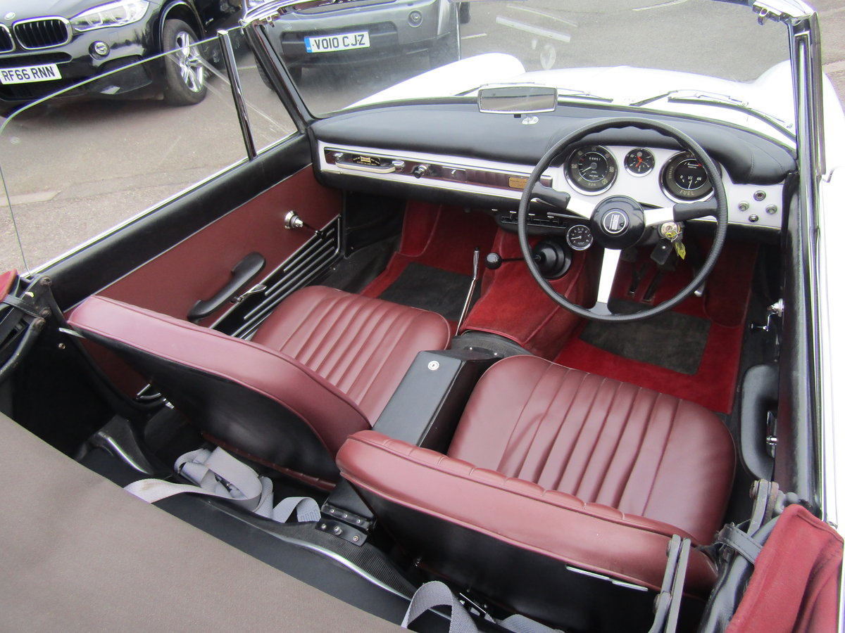 1966 FIAT 1500 CABRIOLET IMMACULATE For Sale (picture 5 of 6)