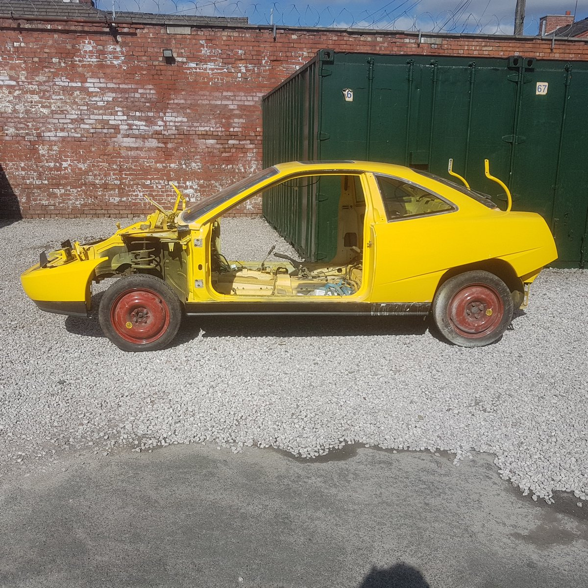 1993 Project/rebuild car. For Sale (picture 1 of 6)