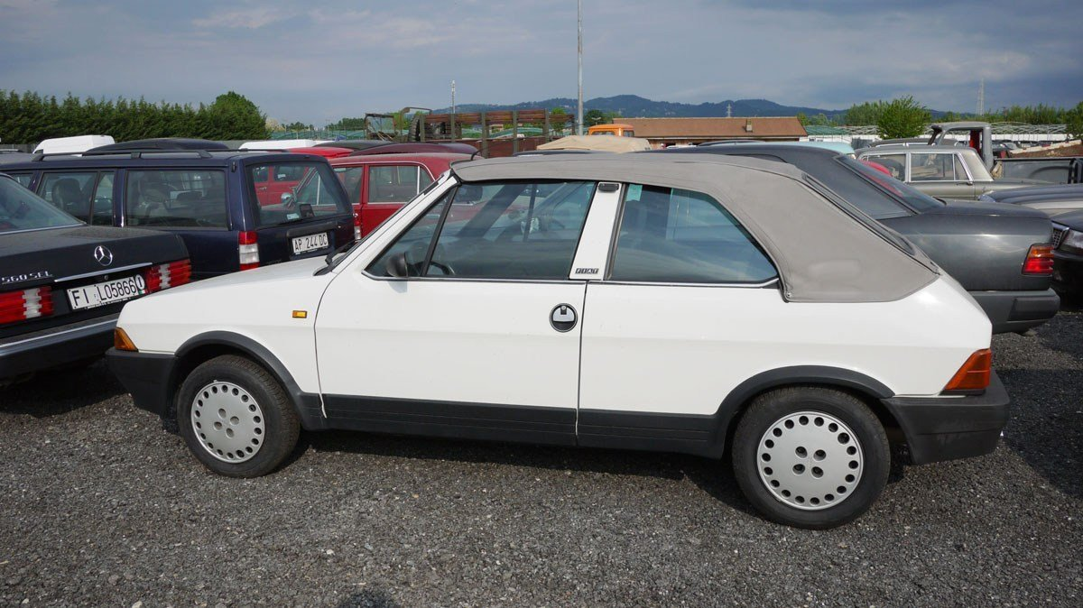 1986 Fiat Ritmo Cabriolet For Sale by Auction (picture 3 of 4)