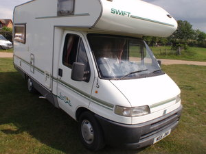 1995 SWIFT SUNTOUR 590RL. SUPERB MEGA LOW MILES.