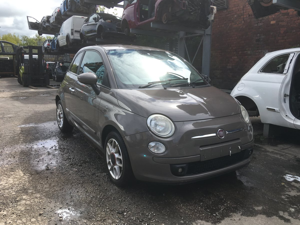 2009 BREAKING - Fiat 500 1.4 16v 6 speed - all parts available For Sale (picture 1 of 1)