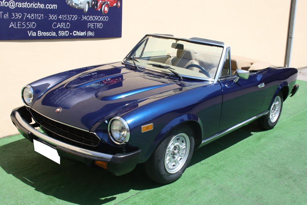 FIAT 124 CONVERTIBLE 2000 OF 1979 For Sale (picture 1 of 6)