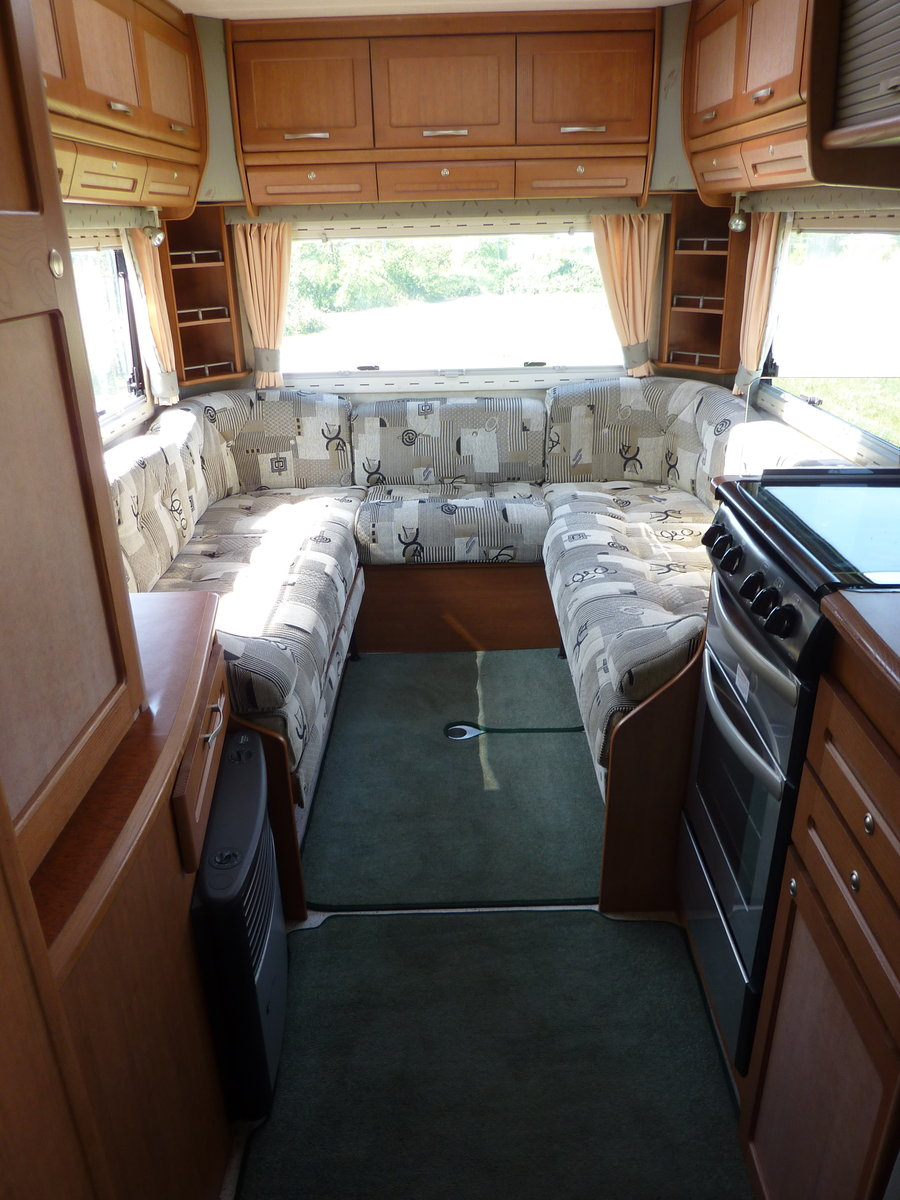 2002 Bessacarr E725 Motorhome SOLD (picture 5 of 6)