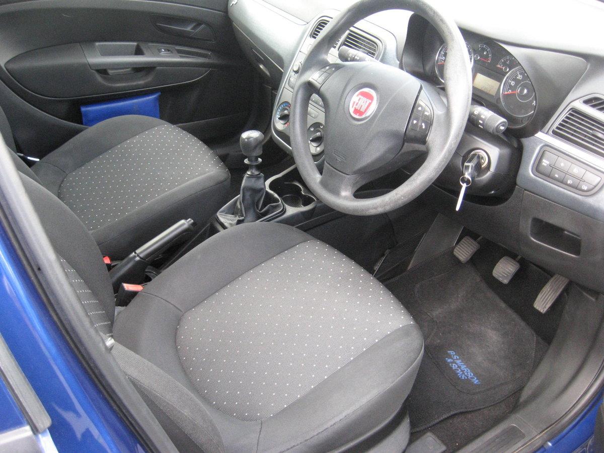 2009 59-reg Fiat Grande Punto 1.4 8v Active 5Dr manual in bl For Sale (picture 5 of 6)