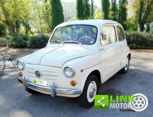 Fiat 600, anno 1960, completamente restaurata, pari al nuov For Sale