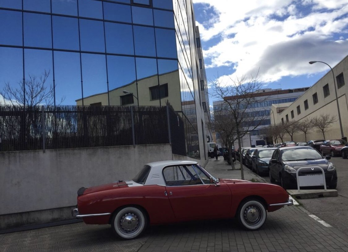 1966 Fiat 850 Spider Bertone 1ª Serie by Guijaro For Sale (picture 3 of 6)