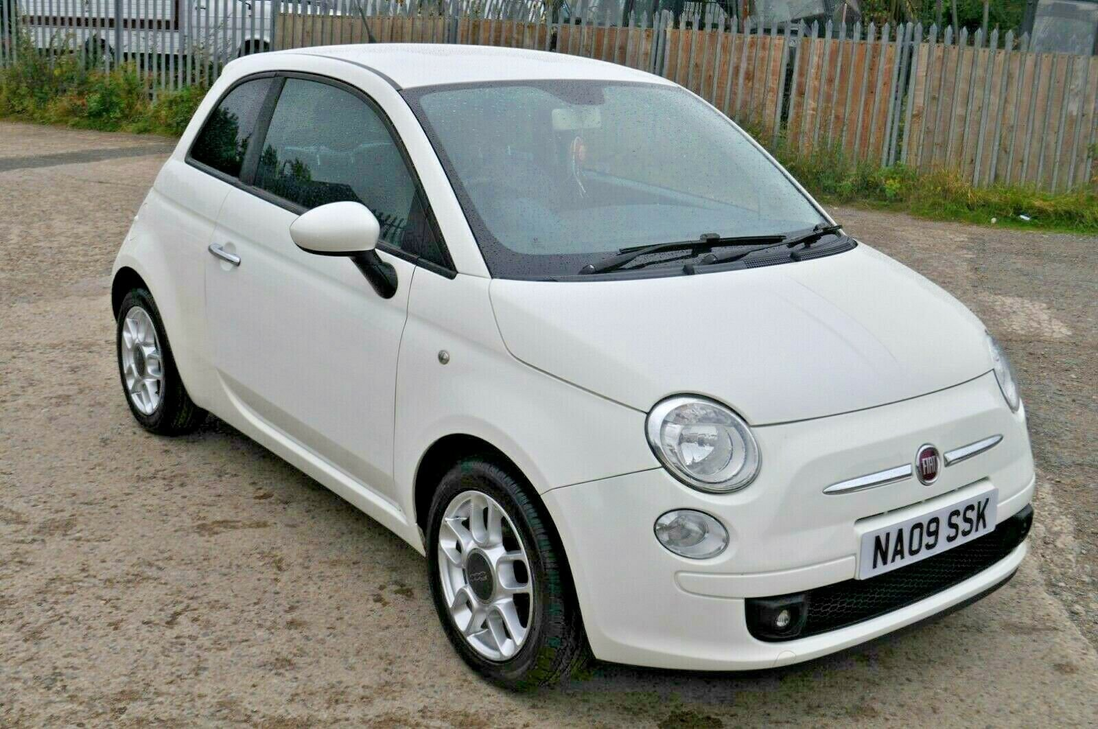 2009 FIAT 500 1.2 SPORT 2 KEEPERS FSH LOW MILES GRAB A BARGAIN  SOLD (picture 1 of 6)