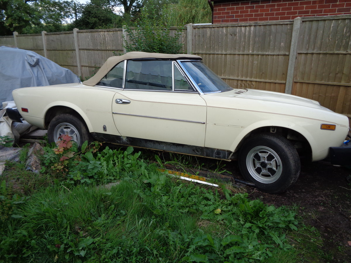 1979 fiat 124 spider 2.0i rustfree lhd project For Sale (picture 1 of 6)
