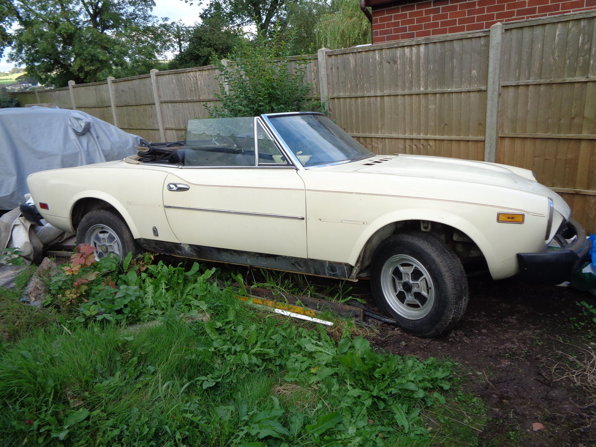 1979 fiat 124 spider 2.0i rustfree lhd project For Sale (picture 2 of 6)