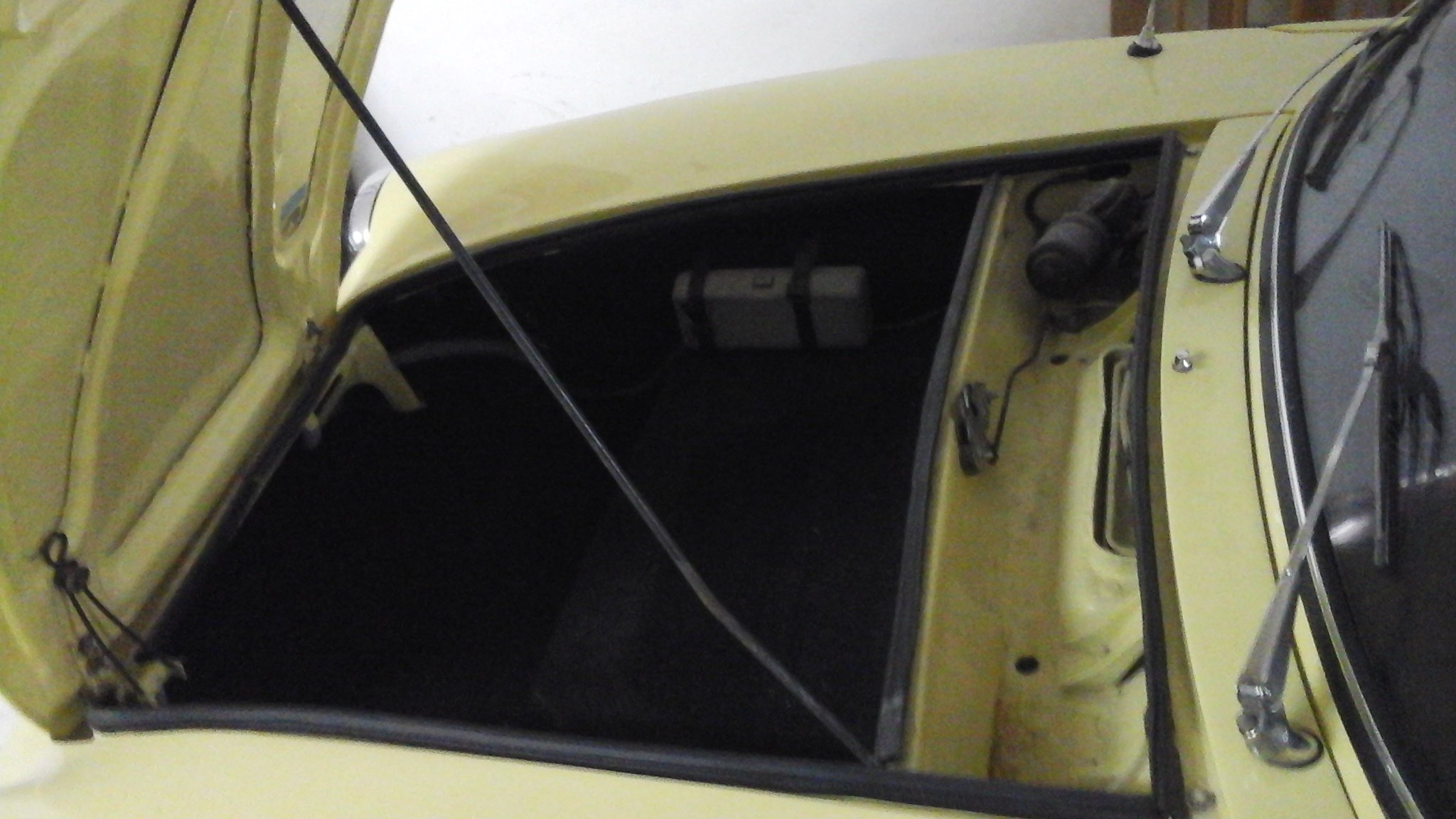 1969 Fiat 850 spider For Sale (picture 6 of 6)