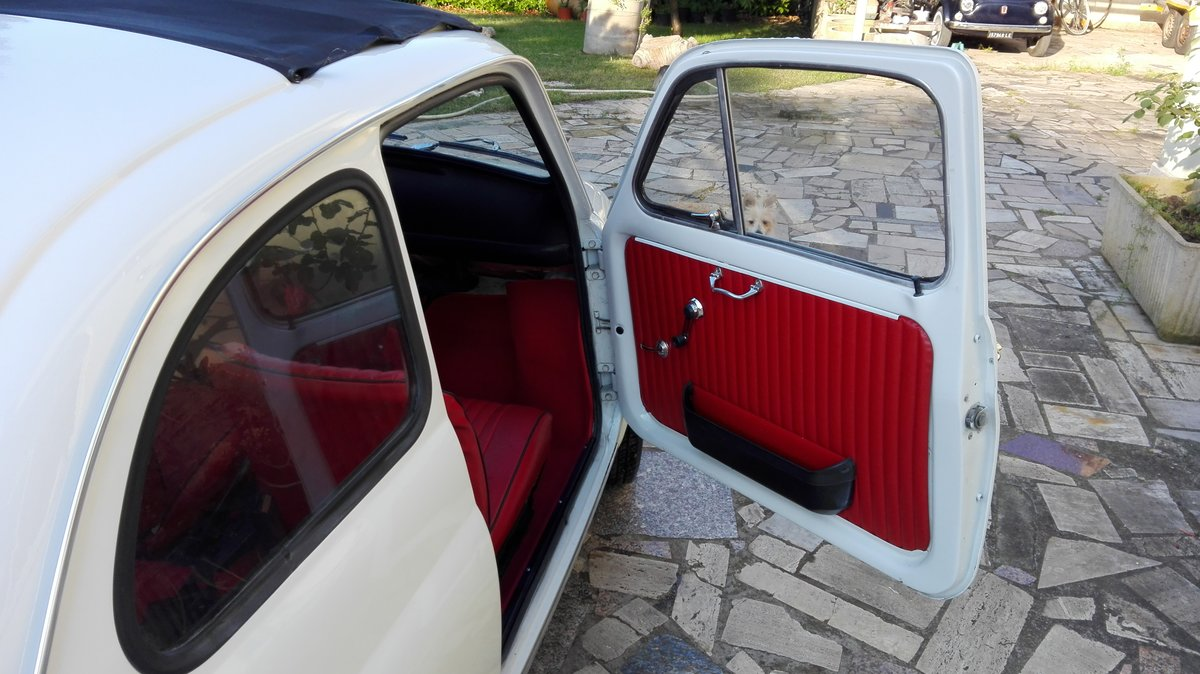 1971 Fiat 500 L white with red interior For Sale (picture 6 of 10)