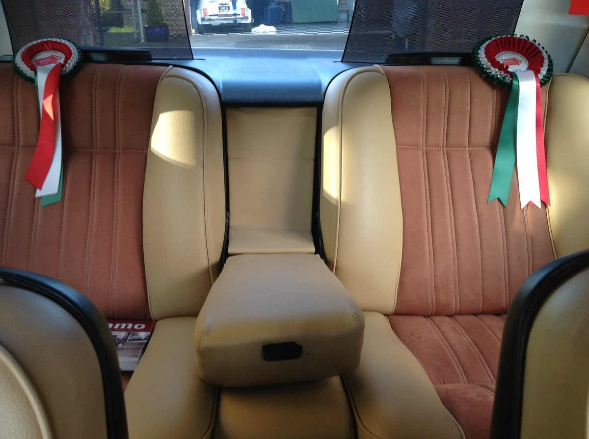 1972 Fiat 130 coupe, multiple show winning concours vehicle For Sale (picture 5 of 6)