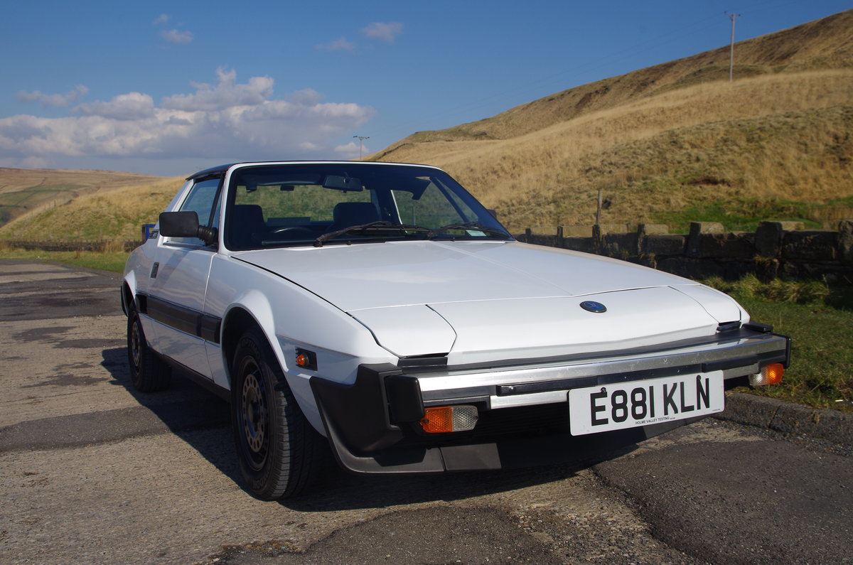 1988 Bertone Fiat X1/9 1500  SOLD (picture 1 of 6)