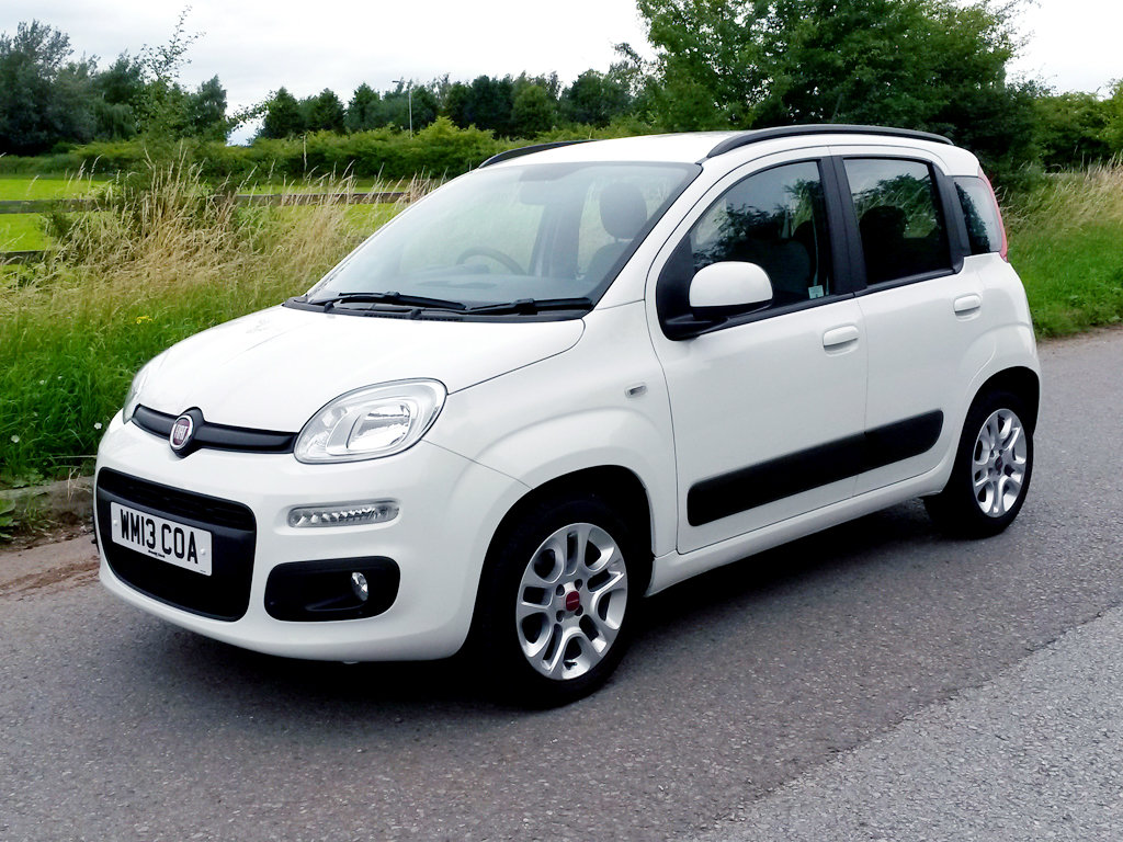 2013 FIAT PANDA 1.2 LOUNGE | ONLY 10000 MILES For Sale (picture 2 of 6)