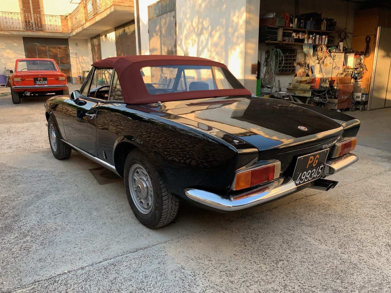 1971 Fiat 124 Sport Spider -  Restored & Stunning!  For Sale (picture 2 of 6)