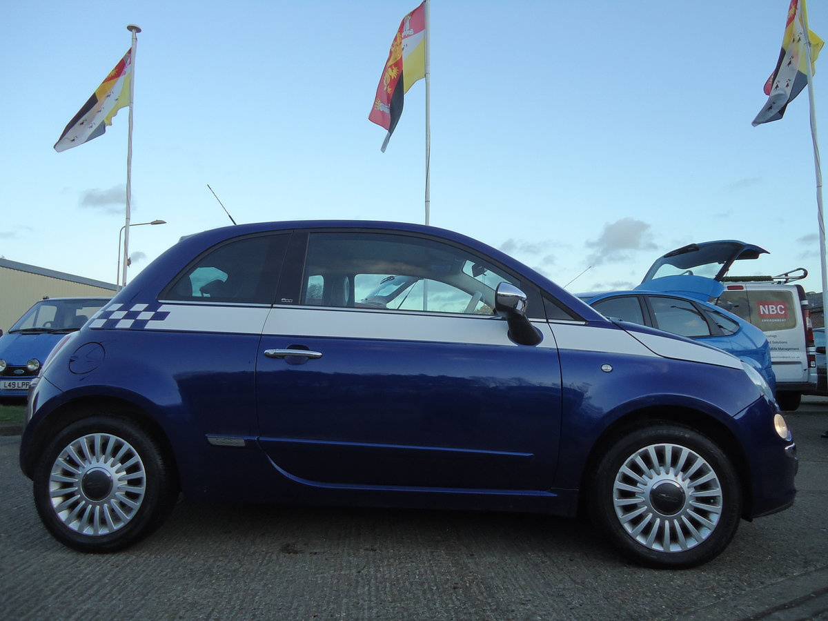 2010 FIAT 500 1.4 LOUNGE - SIX SPEED MANUAL For Sale (picture 2 of 6)