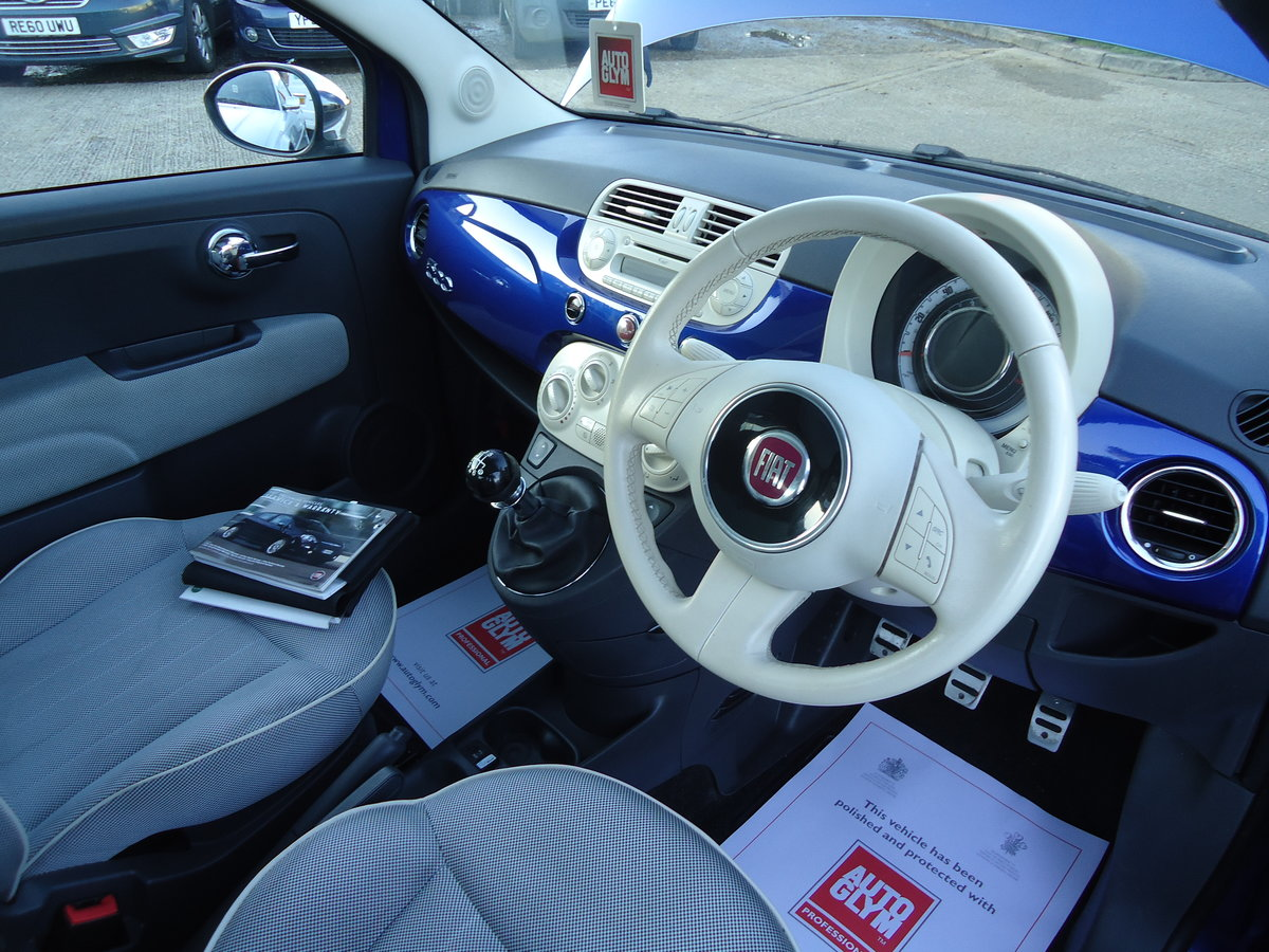 2010 FIAT 500 1.4 LOUNGE - SIX SPEED MANUAL For Sale (picture 3 of 6)