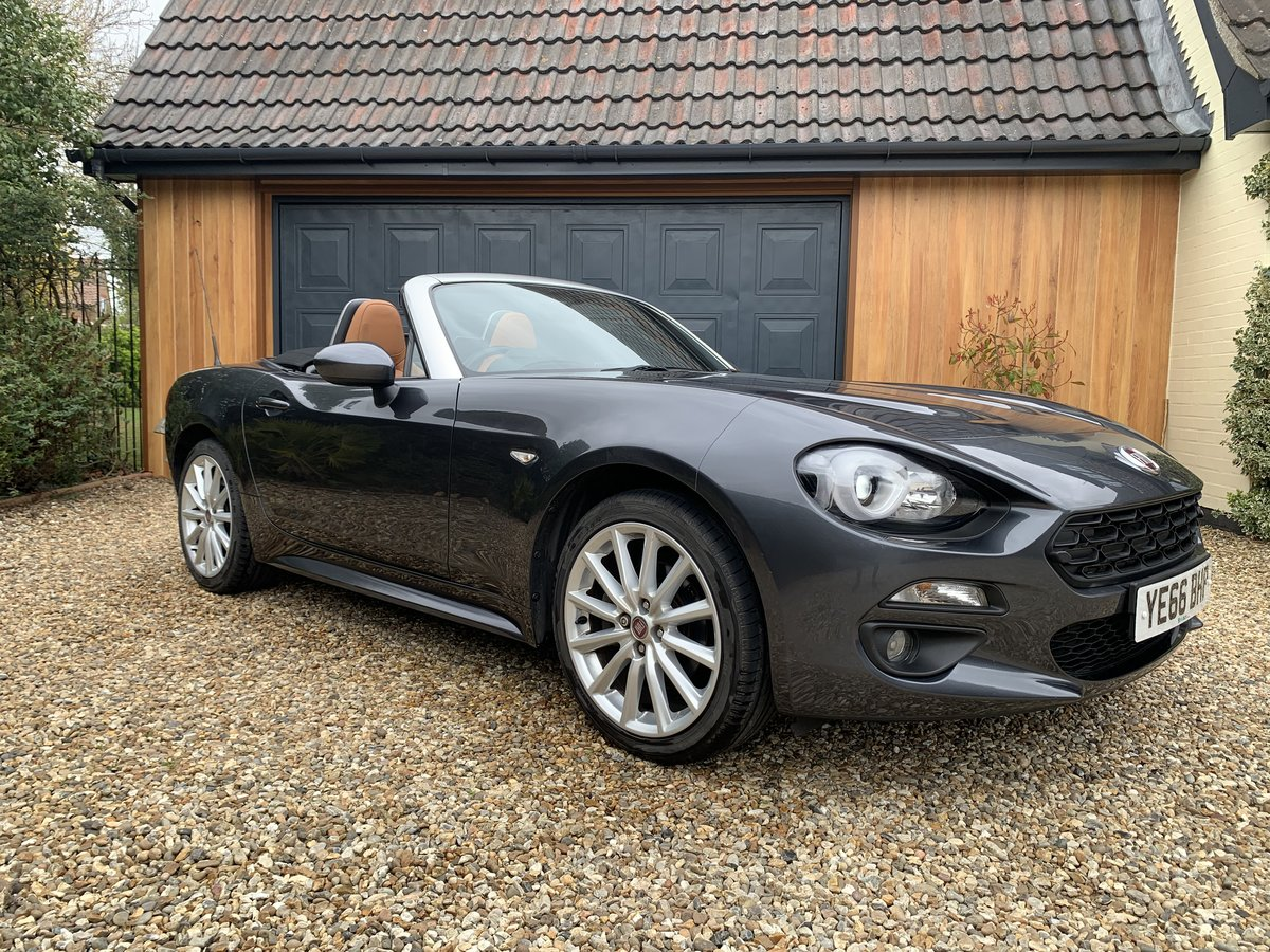 2016 Fiat 124 Spider Lusso Multiair Convertible-stunning fsh For Sale (picture 1 of 12)