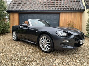 Picture of 2016 Fiat 124 Spider Lusso Multiair Convertible-stunning fsh For Sale